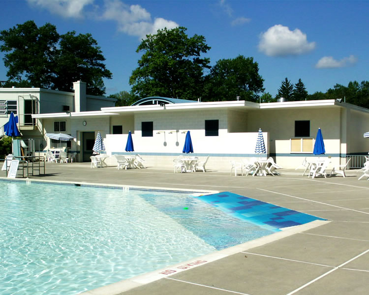 Community Pool Wading Pool